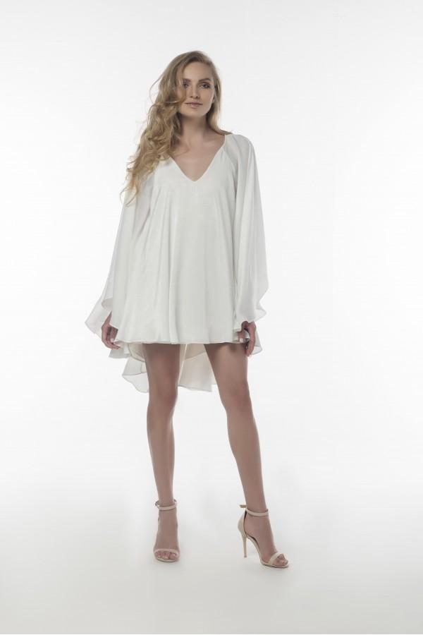 Beyaz Sırtı Açık Elbise